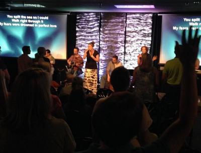 Sunday Worship & Praise